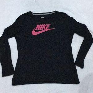 Nike Long Sleeve tee - Womens